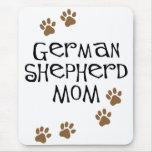 Mamá del pastor alemán alfombrilla de raton
