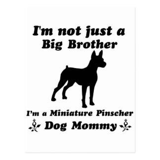 mamá del perro del pinscher miniatura tarjeta postal