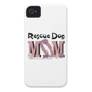 MAMÁ del perro del rescate iPhone 4 Case-Mate Cárcasas