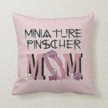MAMÁ del Pinscher miniatura