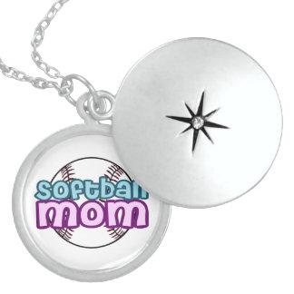 Mamá del softball collar con colgante