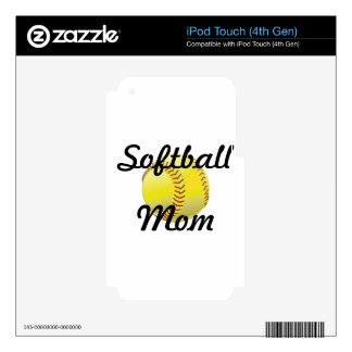 Mamá del softball con la bola iPod touch 4G skin