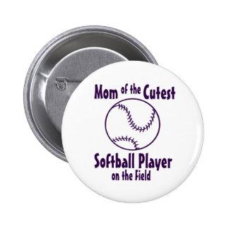 Mamá del softball más linda en el campo pin