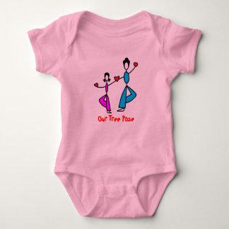 Mamá e hija - ropa de la yoga del bebé playera