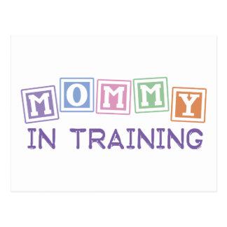 Mamá en el entrenamiento tarjeta postal