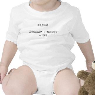 Mamá infantil de la camiseta de la pantalla + papá