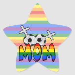 Mamá lesbiana del fútbol (con el arco iris) calcomanías forma de estrellas