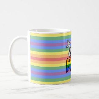 Mamá lesbiana del fútbol (con el arco iris) taza
