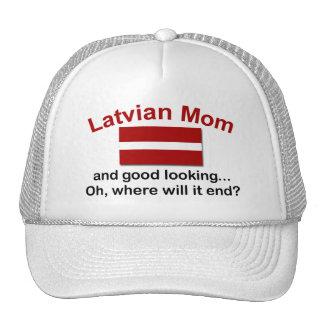 Mamá letona apuesta gorros bordados