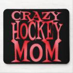 Mamá loca del hockey en rojo loco tapete de ratones