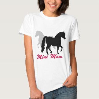 Mamá miniatura del caballo playeras