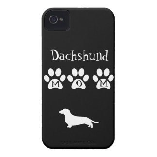 Mamá negra/blanca del Dachshund Case-Mate iPhone 4 Cobertura
