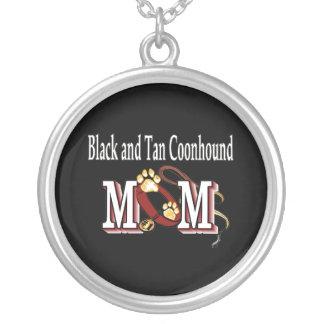 Mamá negra y del moreno del Coonhound Colgante Redondo