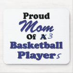 Mamá orgullosa de 3 jugadores de básquet tapete de raton