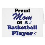 Mamá orgullosa de 3 jugadores de básquet tarjetón