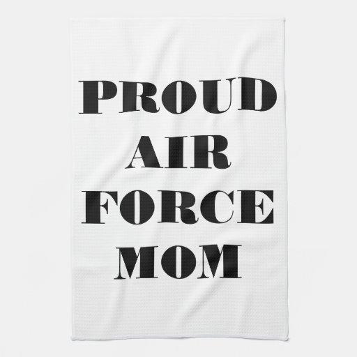 Mamá orgullosa de la fuerza aérea de la toalla de