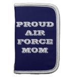 Mamá orgullosa de la fuerza aérea del planificador