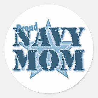 Mamá orgullosa de la marina de guerra pegatina redonda