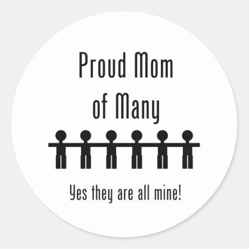 Mamá orgullosa de muchos - 6 niños pegatina redonda