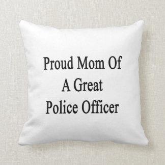 Mamá orgullosa de un gran oficial de policía cojin