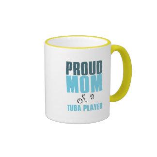 Mamá orgullosa de un jugador de la tuba taza de dos colores