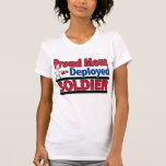 Mamá orgullosa de un soldado desplegado con nombre camisetas