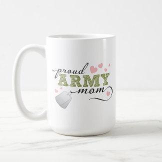 Mamá orgullosa del ejército taza básica blanca