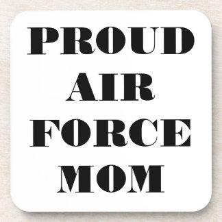 Mamá orgullosa determinada de la fuerza aérea del  posavasos de bebidas