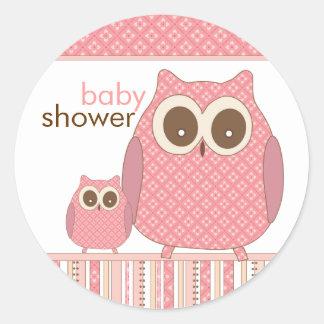Mamá Owl y búho del bebé en rosa Pegatina Redonda