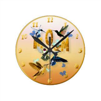 Mamá-Para a los pájaros en amarillo Reloj De Pared