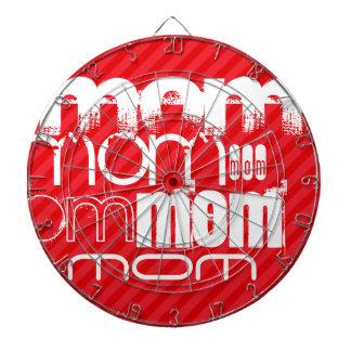 Mamá; Rayas del rojo del escarlata