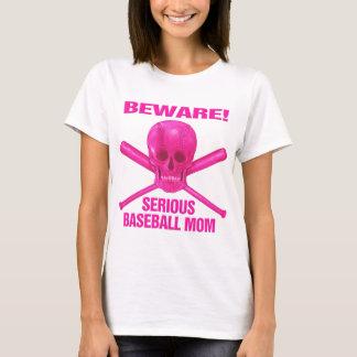 Mamá seria del béisbol playera