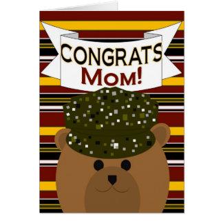 ¡Mamá - soldado Congrats del ejército! Tarjeta De Felicitación