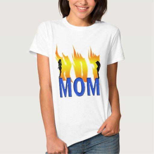 Mamá y llamas calientes remera