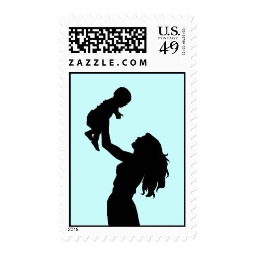 Mamá y nuevo sello de la silueta del bebé azules c