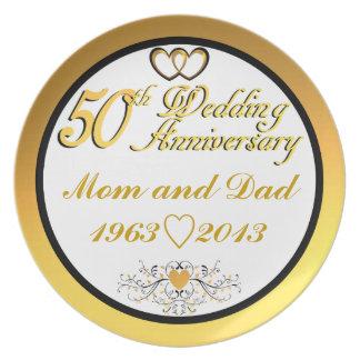 Mamá y papá felices adaptables del aniversario 5ot plato