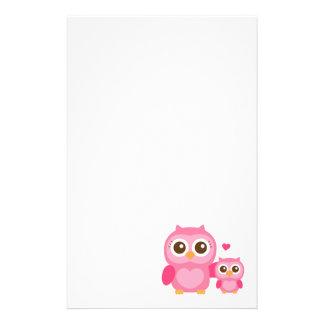 Mamá y yo, búho lindo del bebé, rosado papelería personalizada
