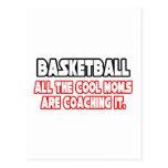 Mamáes frescas del baloncesto… tarjetas postales