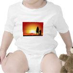 Mamáes y puesta del sol traje de bebé