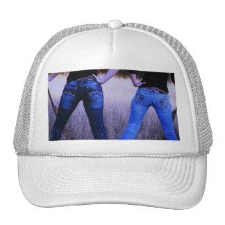 MAN HUNTING TRUCKER HAT