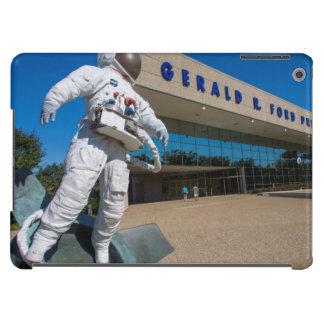 Man In Space Sculpture iPad Air Case