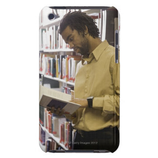 Man looking at book in library Case-Mate iPod touch case