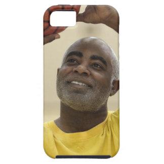 Man playing basketball 4 iPhone SE/5/5s case