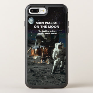 Man Walks on the Moon Astronaut and Earth OtterBox Symmetry iPhone 8 Plus/7 Plus Case