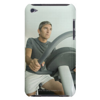 Man working out in a gym Case-Mate iPod touch case