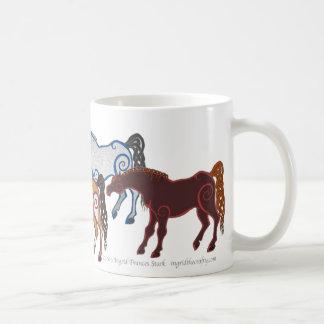 manada céltica del caballo taza de café