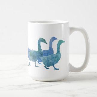 Manada de gansos azules frescos taza de café