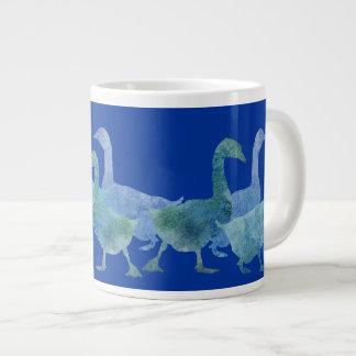 Manada de gansos azules frescos taza de café gigante