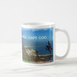 Mañana brumosa en el punto de Nobska - Cape Cod mA Taza Básica Blanca