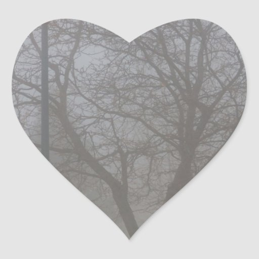 Mañana de niebla pegatina en forma de corazón